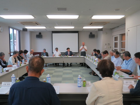 岡山県医師会主催「会長がゆく!虹色サロン」の様子